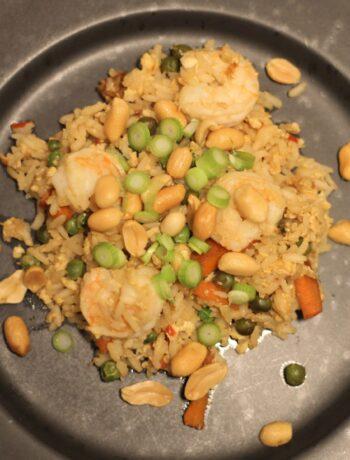Stegte ris med rejer